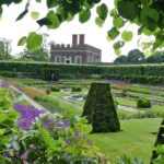 English Gardens Grand Estates & Cottage Gardens